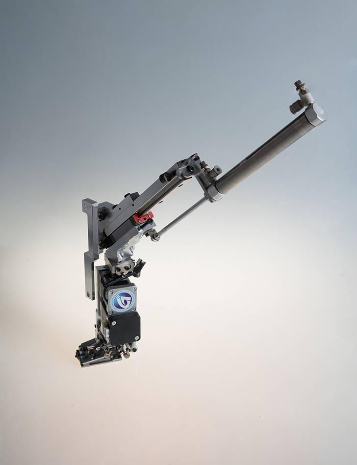 2JP302M双金片绣小头距(电机切片)装置
